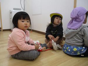 茨城県つむぎ保育園龍ヶ崎園 お散歩準備写真