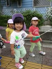 茨城県つむぎ保育園龍ヶ崎園 園児お散歩写真